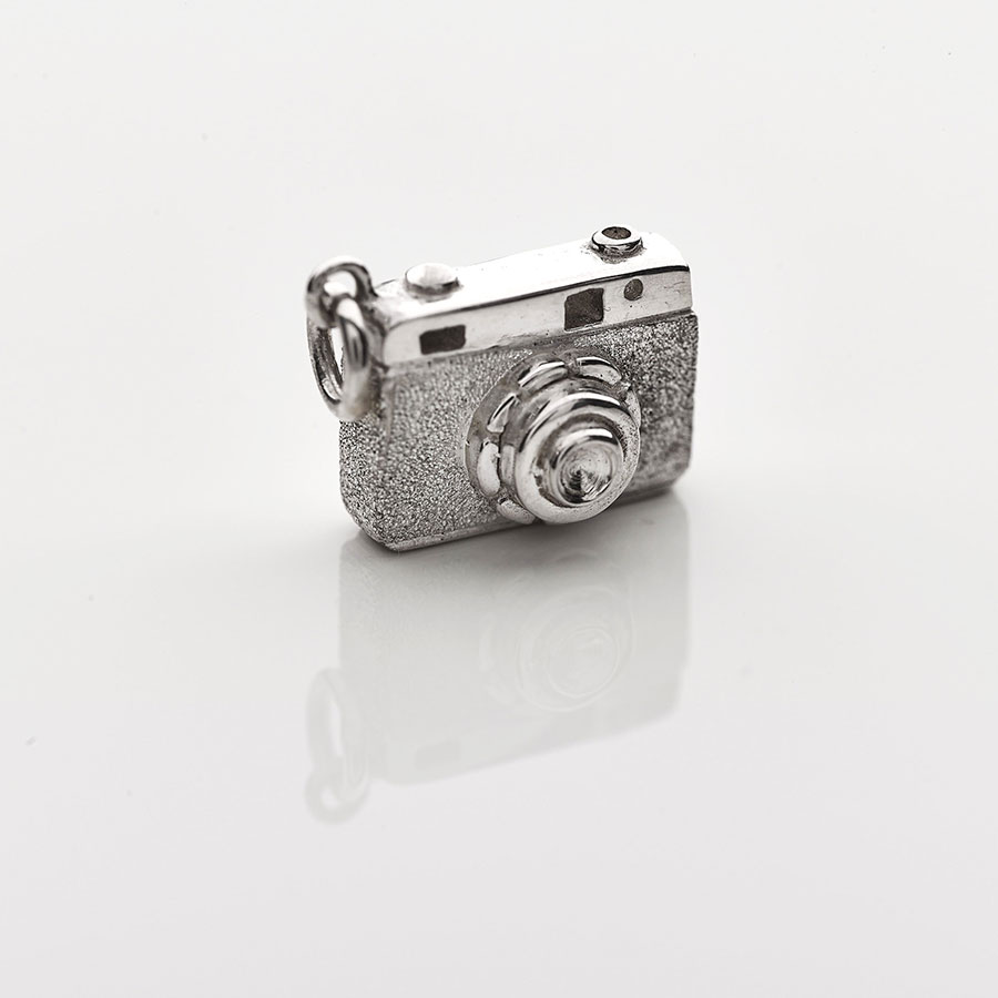 Silver Camera pendant necklace