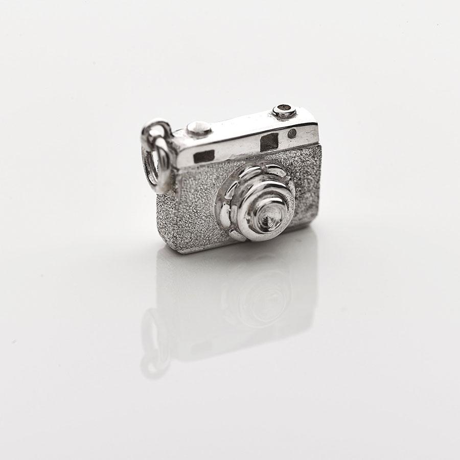 Silver Camera pendant necklace