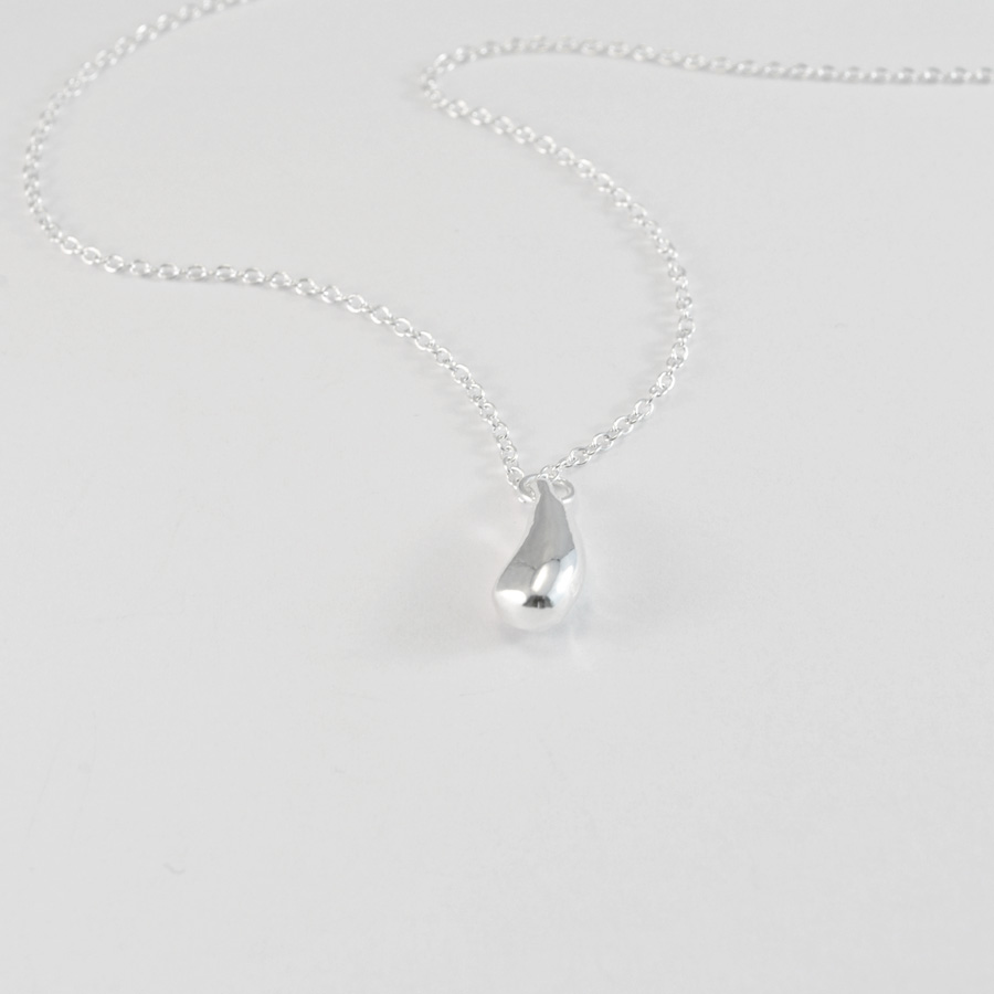 Silver drop necklace